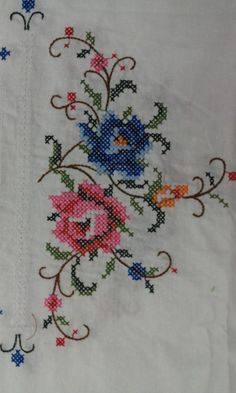 Embroidery Needles, Crewel Embroidery, Embroidery Patterns, Cross Stitch Patterns, Machine Embroidery, Hand Embroidery Videos, Crochet Bedspread, Vintage Cross Stitches, Designs For Dresses