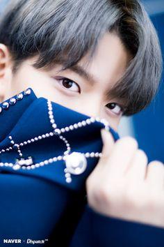 Naver x Dispatch Wanna One at Gaon Chart Music Awards Jinyoung, Bae, Ong Seung Woo, Guan Lin, Lai Guanlin, Lee Daehwi, Kim Jaehwan, Ha Sungwoon, Fans Cafe