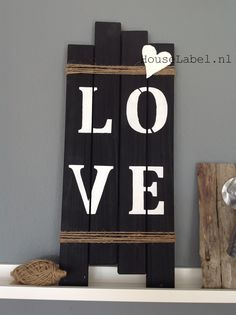 Pallet bord - Love klein Made by HouseLabel.nl