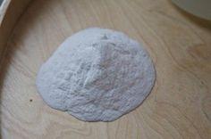 El bicarbonato sódico se usa en el hogar, todos conocemos su uso en la cocina y mucha gente sabrá que se puede limpiar prácticamente toda la casa con bicarbonato sódico. Pero también en el jardín p…