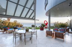 A Contemporary Oceanfront Home in Malibu is On the Market | Terrace