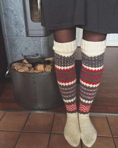 Ravelry: 91811 Järbosockan pattern by Maja Karlsson & Linda Brodin Bunny Slippers, Felted Slippers, Crochet Slippers, Knit Crochet, Foot Warmers, Slipper Boots, Knitting Videos, Knitting Socks, Knit Socks