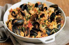 Αν βρεθείς στηνΝέα Ιωνίανα τριγυρνάς και θέλεις κάπου να αράξεις με την παρέα και να Japchae, Paella, Ethnic Recipes, Food, Hoods, Meals