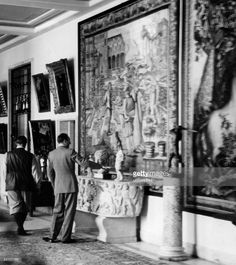 Goering, Hermann - Politician, NSDAP, Germany*12.01.1893-+- (left) is guiding a visitor through his art collection in Carinhall in Schorfheide near Berlin - Photographer: Rosemarie Clausen- Published by: 'Berliner Illustrirte Zeitung' 24/1939Vintage property of ullstein bild
