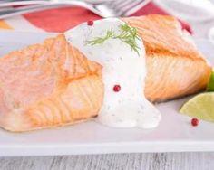 Pavé de saumon à la sauce légère au vin blanc : http://www.fourchette-et-bikini.fr/recettes/recettes-minceur/pave-de-saumon-la-sauce-legere-au-vin-blanc.html