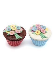 Take a look at this Flower Cupcake Salt & Pepper Shaker Set today!