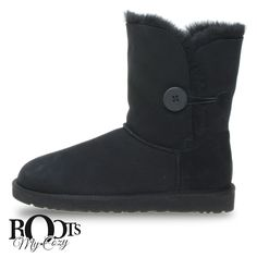 UGG BAILEY BUTTON BLACK BOOTS - WOMEN'S