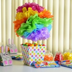 How to make a centerpiece for birthdays - Modern Rainbow Parties, Rainbow Birthday Party, Unicorn Birthday Parties, Birthday Balloons, Unicorn Party, Colorful Centerpieces, Party Centerpieces, Crepe Paper Decorations, Girl Birthday Decorations
