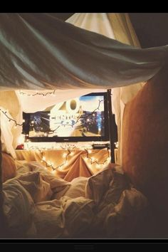 Fort movie night(: hehe this is really cute. I'm all for it!!