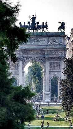 Arco della Pace, Milan, Italy (by Simone Bonalberti province of Milan, Lombardy