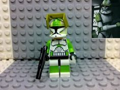Lego-Star-Wars-Clone-Trooper-Clone-Captain-Lock-Custom