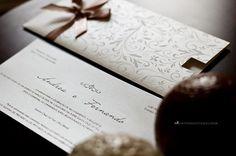Convite de casamento moderno e delicado.
