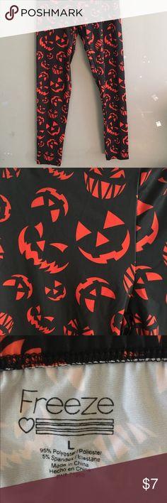 Leggings, Sz L Cute Halloween leggings, Sz L scary jack o' lanterns in orange all over. Freeze Pants Leggings