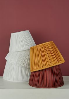 Pleats, please. Lampshades from Dar 😍