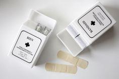 100円ショップの真っ白粘土ケースにマスク収納 | WAGAYA - 楽天ブログ