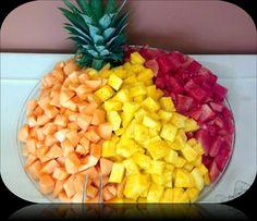 Fruit Tray Fruit Tray Displays, Fruit Trays, Fruit Salads, Graduation Party Foods, Fruit Party, Edible Arrangements, Feeding A Crowd, Good Food, Fun Food
