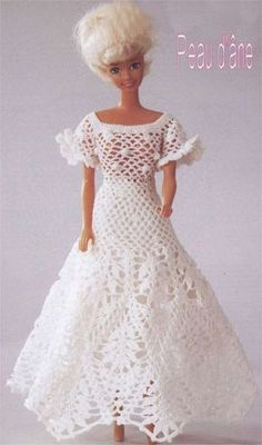 barbie crochet - Zosia - Picasa Webalbums Plus Crochet Doll Dress, Crochet Barbie Clothes, Knitted Dolls, Barbie Clothes Patterns, Clothing Patterns, Dress Patterns, Barbie Gowns, Barbie Dress, Barbie Doll