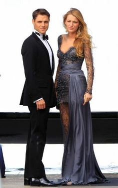 Seamlessly transitioning from big-screen premieres to small-screen flings, Blake Lively returns to N.Y.C. to film scenes for Gossip Girl alongside dapper costar – and Mad Men hunk! – Sam Page. Posh Dresses, Formal Dresses, Sam Page, Zuhair Murad, Bridesmaid Dresses, Wedding Dresses, Blake Lively, Gossip Girl, Lady