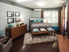 High two-tone wall w/ trim. Zoned AC isn't too ugly. furniture layout bed in corner Brother Vs. Brother Season Photo Highlights From Episode 5 Bedroom Setup, Bedroom Layouts, Bedroom Colors, Master Bedroom, Bedroom Decor, Master Suite, Men Bedroom, Bedroom Arrangement, Bedroom Dressers