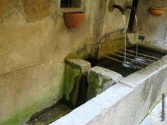 La fontaine de la rue des Rostangs