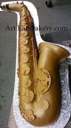 Custom 3D brass saxophone unique groom's cake design with edible handmade keys by arteatsbakery, via Flickr