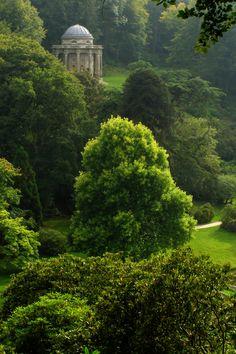 Stourhead House es una finca de 1,06 hectáreas en el nacimiento del río Stour, cerca de Mere, en el condado de Wiltshire, Inglaterra