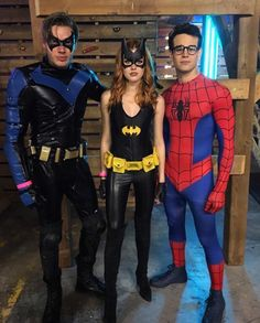 Dominic Sherwood, Katherine McNamara and Alberto Rosende . Halloween Costumes>>> Dom's costume looks awesome and the other twos costumes look cheap Clary Fray, Clary Et Jace, Shadowhunters Actors, Shadowhunters The Mortal Instruments, Matthew Daddario, Clary And Sebastian, Dc Vibe, Alberto Rosende, Dominic Sherwood