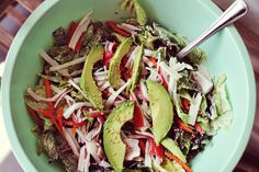 Sushi Salad Recipe from A Beautiful Mess. Recipe inspiration, just turn your favorite sushi rolls into salads. Sushi Salad, Salad Bar, Soup And Salad, Sushi Bowl, Crispy Oven Fried Chicken, Little Lunch, Tomato Cream Sauces, Chicken Salad Recipes, 30 Minute Meals