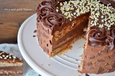 Tort cu alune ciocolata si rom - Retete Timea Something Sweet, Tiramisu, Biscuits, Cheesecake, Food And Drink, Ethnic Recipes, Desserts, Romania, Cakes