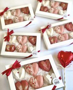 Paletas Chocolate, Homemade Chocolate Bars, Menta Chocolate, Chocolate Bomb, Chocolate Hearts, Chocolate Gifts, Chocolate Covered Strawberries, Chocolate Molds, Chocolate Dipped