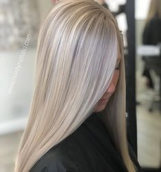 Couleur des cheveux Balayage – All About Hairstyles Ashy Blonde Highlights, Ashy Blonde Hair, Balayage Blond, Light Blonde Hair, Hair Color Balayage, Chunky Highlights, Caramel Highlights, Color Highlights, Dark Blonde