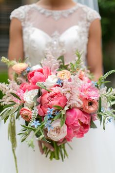 Bridesmaid bouquets: love the colors here. shades of pink, white, and a dash of blue. Peonies and white roses are a must. Smaller, more rounded, less greenery.