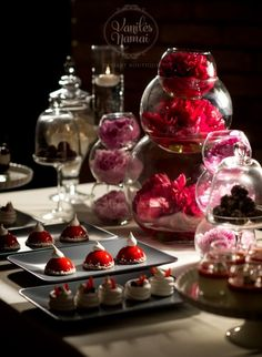 #dessert table #pavlova #vanilesnamai. Photo- Sivakoff