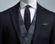 Enhance the classic elegance of this navy Havana jacket with a checked blue waistcoat in pure cashmere by Ferla. Modern Gentleman, Gentleman Style, Subscription Boxes For Men, Mens Trends, Suit And Tie, Classic Elegance, Business Fashion, Dress Codes, Mens Suits