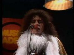 T. Rex - 20th century boy 1973 Friends say it's fine, friends say it's good Ev'rybody says it's just like rock'n'roll I move like a cat, charge like a ram St...