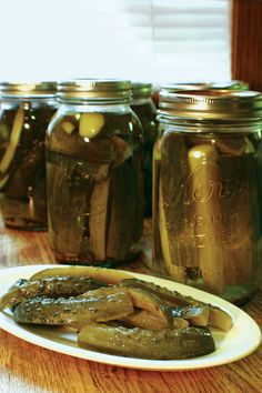 Pickle canning recipes preserve the harvest. This one, Crispy Dill Pickles, puts up 8 pounds of pickling cucumbers.