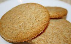Retete Culinare - Biscuiti digestivi Romanian Food, Dessert Recipes, Desserts, Cornbread, Love Food, Biscuits, Healthy Recipes, Healthy Food, Sweets