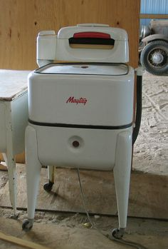 Old Maytag Ringer Washer...the way they made these back then... I bet this machine would still be running today!