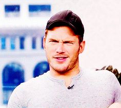 Just look at everything that's happening here.   31 Times Chris Pratt Was Perfection In Human Form