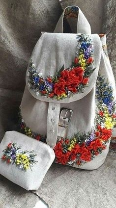 Ribbon Embroidery Tutorial, Floral Embroidery Patterns, Embroidery Bags, Silk Ribbon Embroidery, Hand Embroidery Designs, Carpet Bag, Ribbon Art, Linen Bag, Satin Flowers