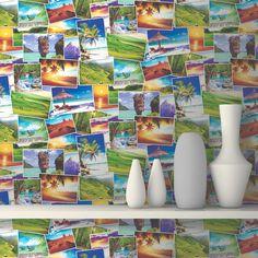 Seja para relembrar bons momentos, ou sonhar em visitar tais lugares, fotografias de paisagens sempre são ótimas opções de decoração. O papel de parede com fotografias de paisagens é uma opção bastante colorida e diferente para decorar seu ambiente, com lindas fotos de diversos lugares, para trazer à memória aquela viagem inesquecível, ou para te incentivar diariamente a investir em uma futura viagem.
