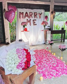 At home cute marriage proposal Happy Balloons, Heart Balloons, Proposal Ideas At Home, Balloon House, Valentines Day Quotes For Him, Romantic Proposal, Valentine's Day Quotes, Marriage Proposals, Balloon Decorations