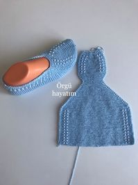 - Knitting patterns, knitting designs, knitting for beginners. Knitting Socks, Loom Knitting, Knitting Stitches, Knitting Patterns Free, Free Knitting, Baby Knitting, Beginner Knitting, Crochet Shoes Pattern, Knitted Slippers
