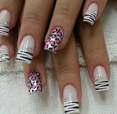 Prya Silver And Pink Nails, Fabulous Nails, Cute Nails, Hair And Nails, Nail Designs, Hair Beauty, Nail Art, Hipsters, Glamour