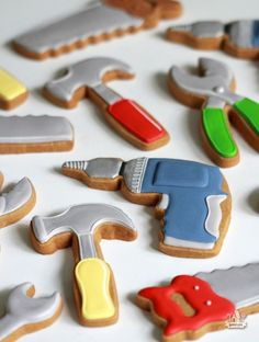 Father's Day Toolbox Cookies {How-To and Toolbox Template} Father's Day Tool Decorated Cookies – How To Man Cookies, Cut Out Cookies, Cute Cookies, Cupcake Cookies, Iced Sugar Cookies, Royal Icing Cookies, Construction Cookies, Cookie Designs, Cookie Monster