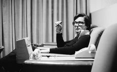 THE KID STAYS IN THE PICTURE // Based on Robert Evans' autobiography, the film traces the rise and fall of one of Hollywood's most legendary and admired producers with humour, honesty and an enormous amount of style.