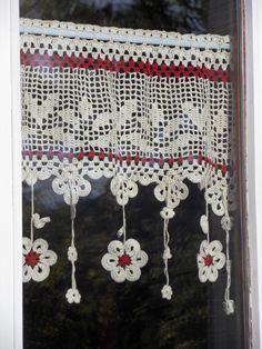 voilage fleurs au crochet d'art 50cm de large ambiance belliloise : Textiles et tapis par foux-elle