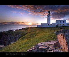 Lighthouse Photography | Rua Reidh Lighthouse, a photo from Highland, Scotland | TrekEarth