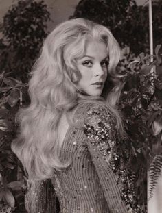 That Girl list. I will always love Ann-Margret and will never know how to spell her name correctly without having to look it up. Divas, Vintage Hollywood, Classic Hollywood, Hollywood Actresses, Actors & Actresses, Female Actresses, Ann Margret Photos, Beautiful People, Beautiful Women