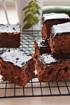Ciasto czekoladowe z cukinią - Napiecyku Food And Drink, Sweet, Recipes, Chef Recipes, Cooking, Candy, Recipies, Ripped Recipes, Cooking Recipes